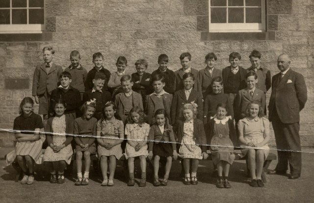 Dirleton Primary School photo from late 1940's