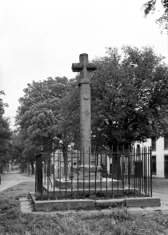 Ormiston Cross from West